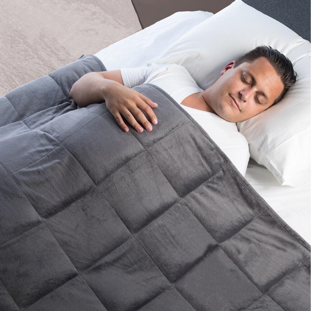 Unter der Gewichtsdecke schläft es sich gut