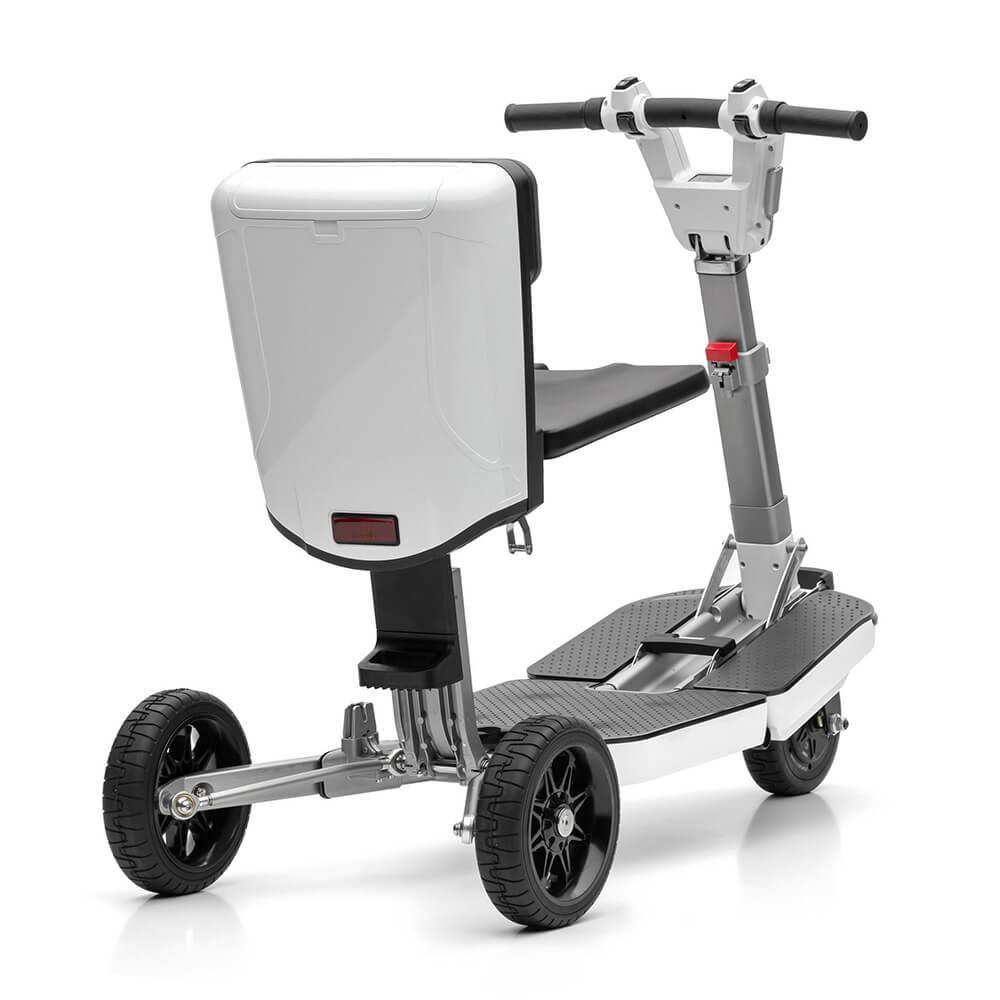 Praktisch zusammenklappbarer E-Scooter