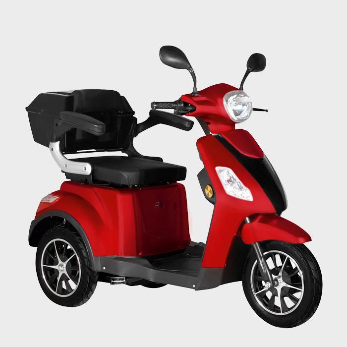 Ein rotes Elektromobil.