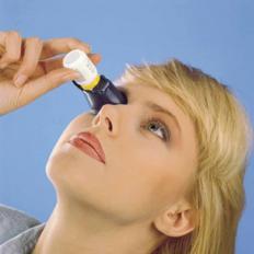 Augentropfen Anwendungshilfe